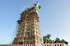 Индийская строительная площадка с бамбуковыми лесами стоковое изображение