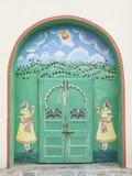 Индийская украшенная дверь, Udaipur Стоковые Изображения RF