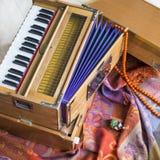 Индийская фисгармония, традиционная деревянная аппаратура клавиатуры, конец-вверх Стоковая Фотография RF