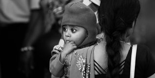 Индийские женщина и ребенок стоковые фото