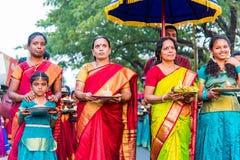 Индийские женщины в традиционных одеждах Стоковые Фотографии RF