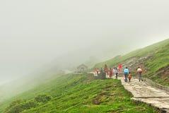 Индийские паломники на треке Стоковые Изображения