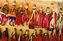 Индийские ручной работы марионетки для продажи Стоковые Фотографии RF