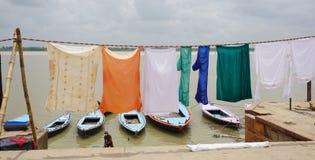 Индийские люди моя и суша одежду Стоковые Изображения