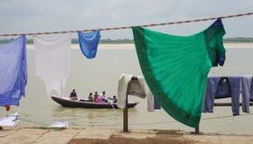 Индийские люди моя и суша одежду Стоковая Фотография