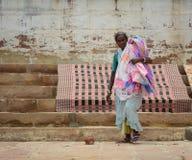Индийские люди моя и суша одежду Стоковое Изображение RF