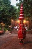 Индийский балансировать баков народного танца Стоковое Изображение RF