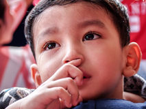 Индийский мальчик унылый Стоковое фото RF