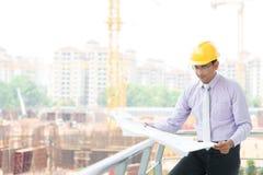 Индийский мужской инженер подрядчика Стоковое Изображение