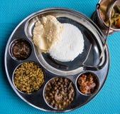 Индийский ресторан и индийская специфическая еда Стоковая Фотография RF