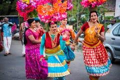 Индийский танец трансвеститов на фестивале в Alleppey стоковое фото