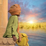 Индийский человек на Ганге Стоковая Фотография RF