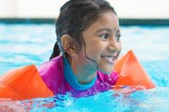 Индийское заплывание ребенк стоковая фотография