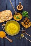 Индийское карри masala tikka цыпленка в блюде balti служило с pila Стоковая Фотография