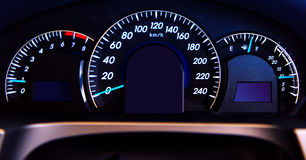Индикатор автомобиля цифров, конец черточки автомобиля вверх стоковые фото