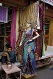Индия, Раджастхан, Джайпур, 2-ое марта 2013: Индийское традиционное wom стоковое фото