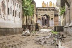 Индия, старая полу-покинутая дорога в Rajastan Стоковое Изображение RF