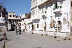1977 Индия Удайпур Сцена улицы от старой части Udaipur Стоковые Фотографии RF
