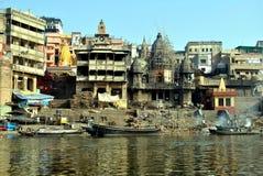 Индия varanasi ganges Ghat Manikarnika Стоковое Изображение RF