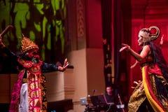 Индонезийский выполнять рассказа и жизни Стоковые Изображения RF