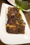 Индонезийский цыпленок гриля угля еды Стоковая Фотография RF