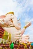 Индусская статуя бога в тайском общественном виске. Стоковое Изображение RF