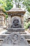 Индусские божества высекаенные в камне стоковое фото
