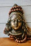 Индусский бог - Shiva с розарием rudraksha на голове Стоковая Фотография