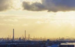 Индустриальная зона на заходе солнца Стоковая Фотография RF
