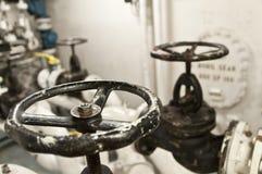 Индустриальная зона, стальные трубопроводы и клапаны Стоковое Изображение