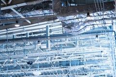 Индустриальная зона, стальные трубопроводы и оборудование Стоковая Фотография RF