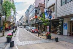 ИОКОГАМА, ЯПОНИЯ - 18-ОЕ АПРЕЛЯ 2018: Торговая улица Motomachi Оно Стоковые Изображения