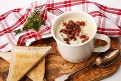 Ирландский точный dinning, суп белой фасоли с беконом стоковое фото rf