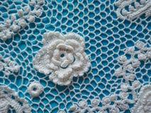 Ирландское вязание крючком шнурка Элементы платья связанного белизной Стоковая Фотография RF