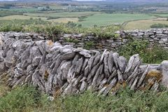 Ирландское графство Клара Ирландия 2 каменной стены Стоковые Изображения