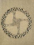 Ирландская кельтская картина круга на перекрестной статуе Стоковая Фотография RF