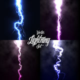 Искра грома проблескового света молнии на черной предпосылке при установленные облака Молния искры вектора или взрыв электричеств иллюстрация штока