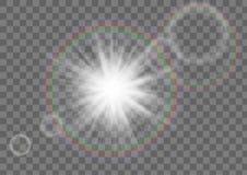 Искра звезды Солнця с влиянием пирофакела объектива на прозрачной предпосылке стоковое фото