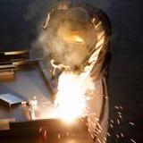 искрит заварка welder Стоковые Фотографии RF