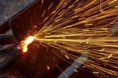 Искрит пока режущ сталь Стоковые Фото