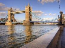 искупанная башня солнечного света london s моста Стоковые Изображения RF