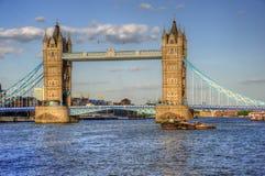 искупанная башня солнечного света london s моста Стоковые Фотографии RF
