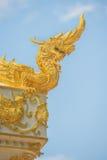 Искусства буддизма - короля статуи Naga в виске Таиланда Стоковое Фото