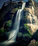Искусственная съемка долгой выдержки водопада стоковое изображение rf