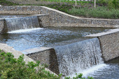 искусственние водопады каскада Стоковые Фото