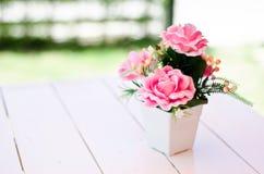 искусственние цветки стоковые фото