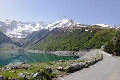Искусственное озеро большое-Maison, Рона-Alpes во Франции стоковые фотографии rf