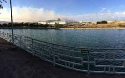 искусственное озеро стоковая фотография