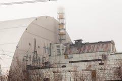 искусственное coold chernobyl банка вниз засевает река травой реактора высокорослое к используемой Украине было 3 и 4 блока атомн Стоковая Фотография