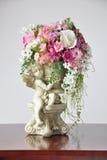 Искусственные цветки ваз Стоковое Изображение RF